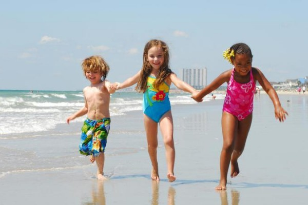 Kids Enjoying the Beach, Photo courtesy of VisitMyrtleBeach.com