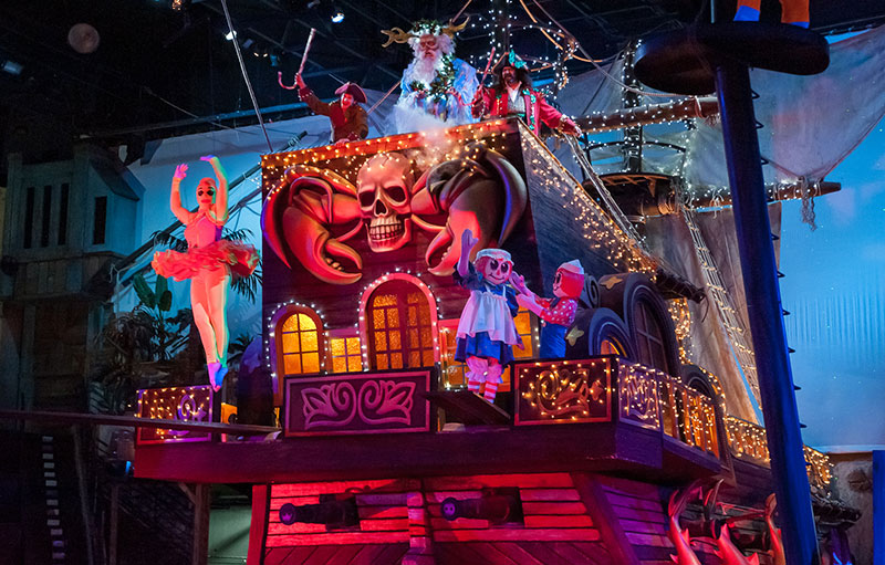 Christmas at Pirates Voyage Dinner & Show